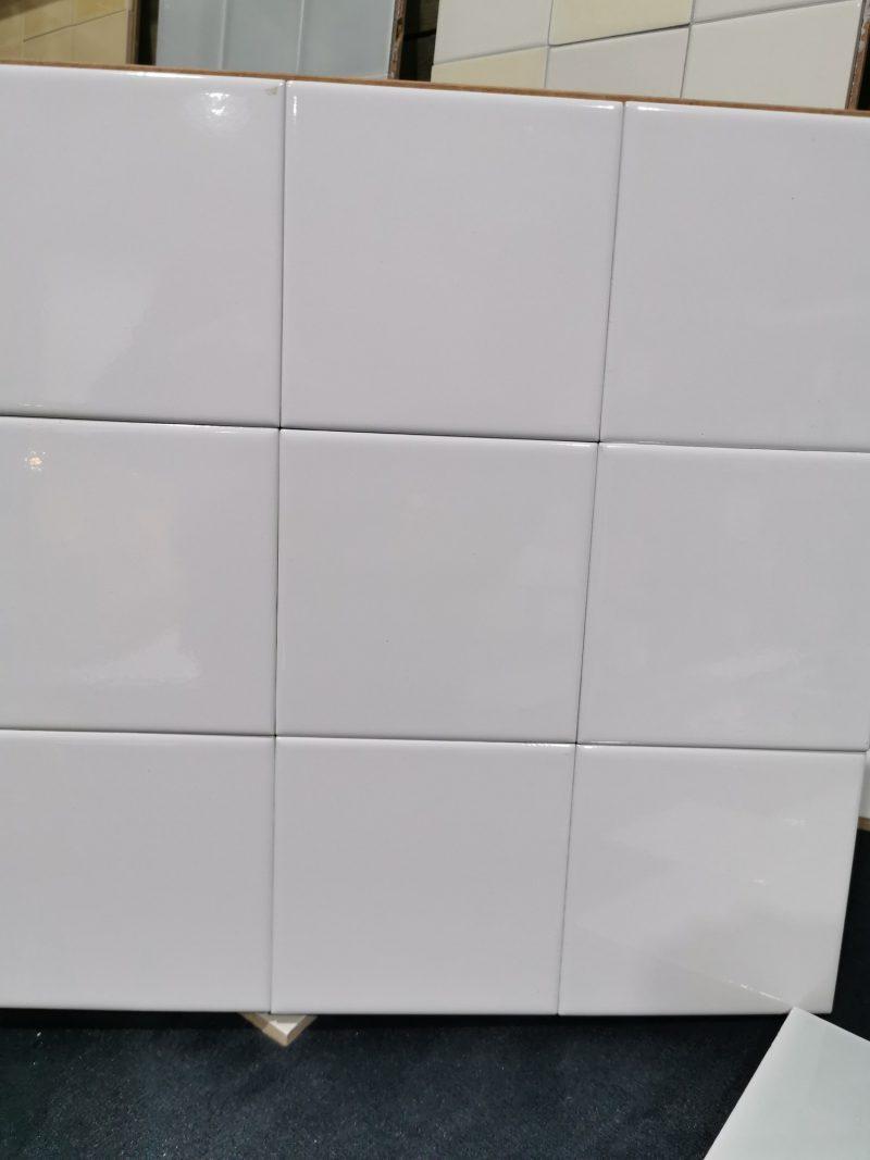 13x13 Steenbok glans wit op=op aanbieding -0